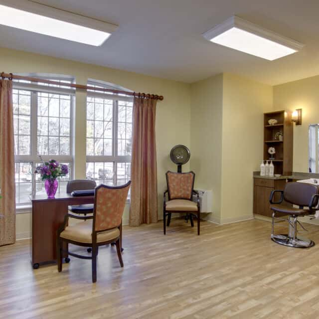 A photo of the salon at Farmington Station